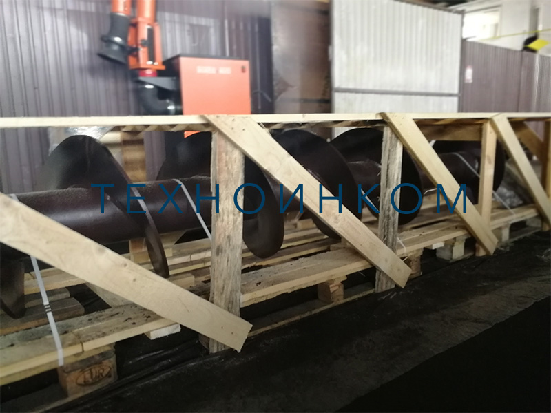 Screw conveyors, bushings of screw conveyors